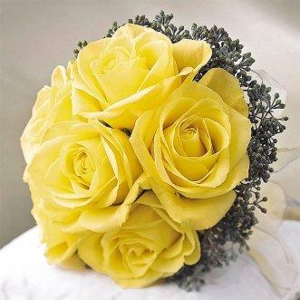 Букет невесты из роз и хамелациума «Роза Плаза»